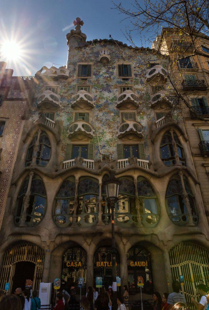 Fassade von Gaudí´s berühmten Gebäudes