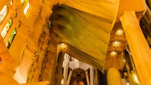 Details der Sagrada Familia von innen.