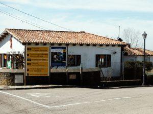 Wegweiser in Cantoningròs, welcher zur Foradada weist.