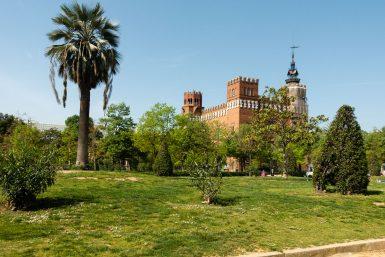 Blick auf das Castell dels tres dragons im Parc Ciutadella.