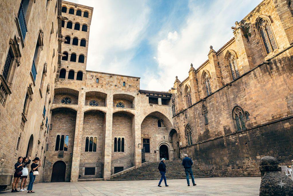 Ansicht auf den Plaça del Rei im Barri Gòtic.
