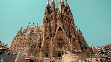 Die sich im Bau befindliche Sagrada Familia.