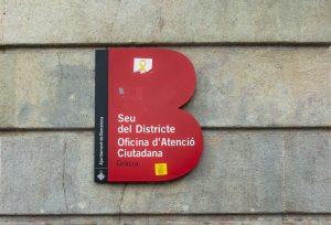 Beschilderung des Bürgerinformationsbüros in Gracia.