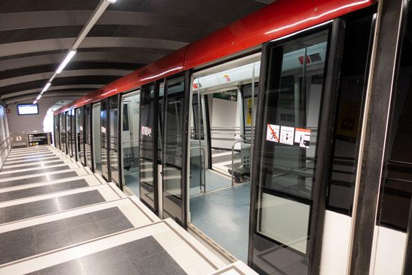 Die wartende Standseilbahn die einen vom Montjuïc ins Zentrum von Barcelona bringt.