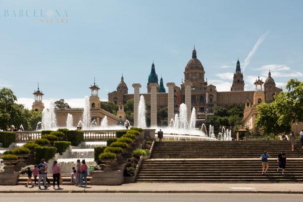 Der magische Brunnen vor dem Nationalpalast in Barcelona.