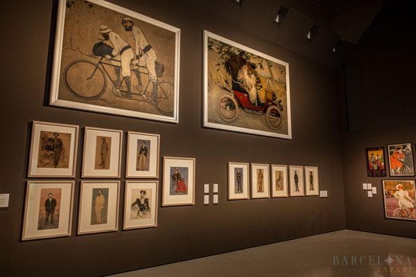 Moderne Kunstgemälde in einem der Ausstellungssäle des MNAC.